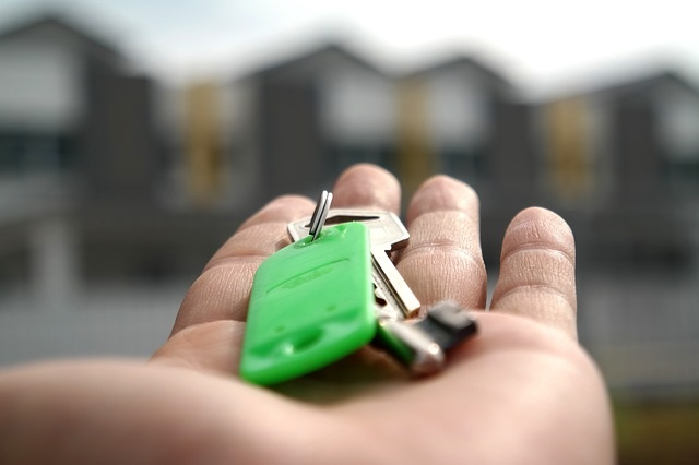 Mortgage Lenders Report They're Easing Mortgage Credit Standards